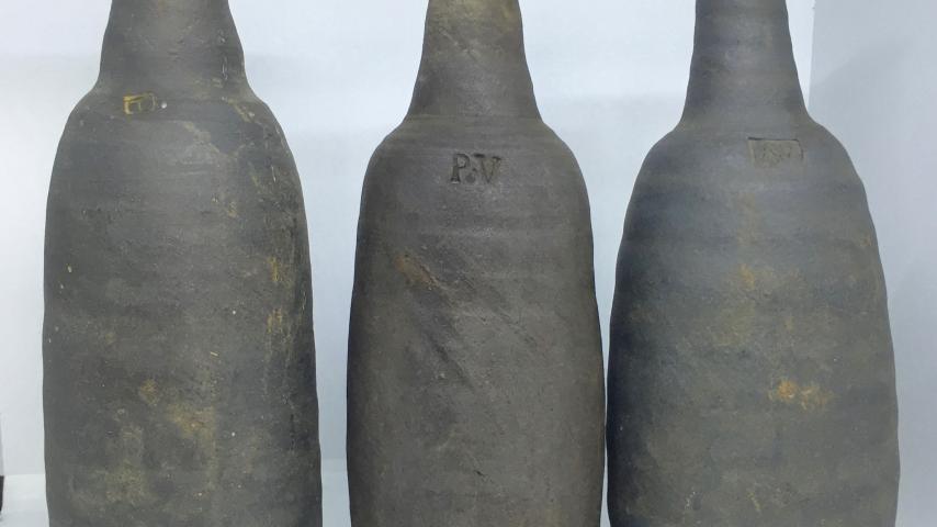Datant des marques de poterie